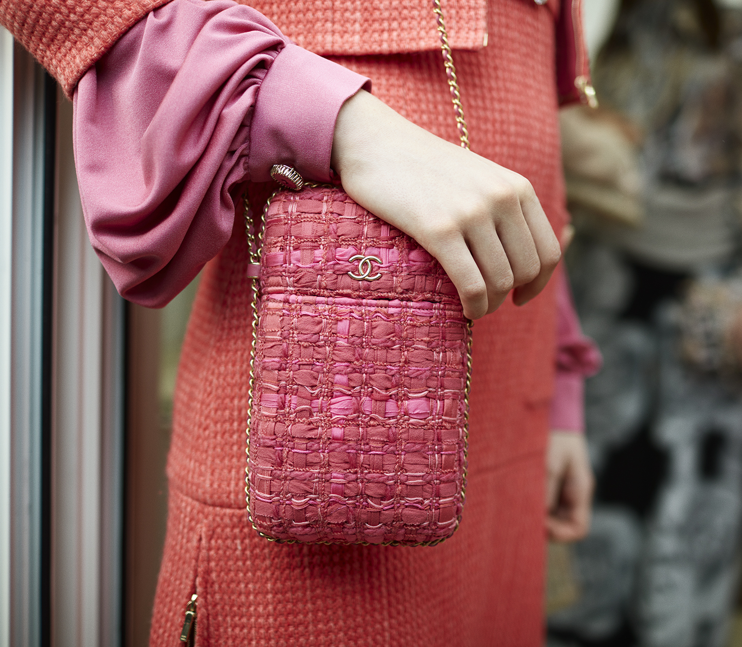 03_backstage-close-up-accessories-by-stcphane-gallois_ld