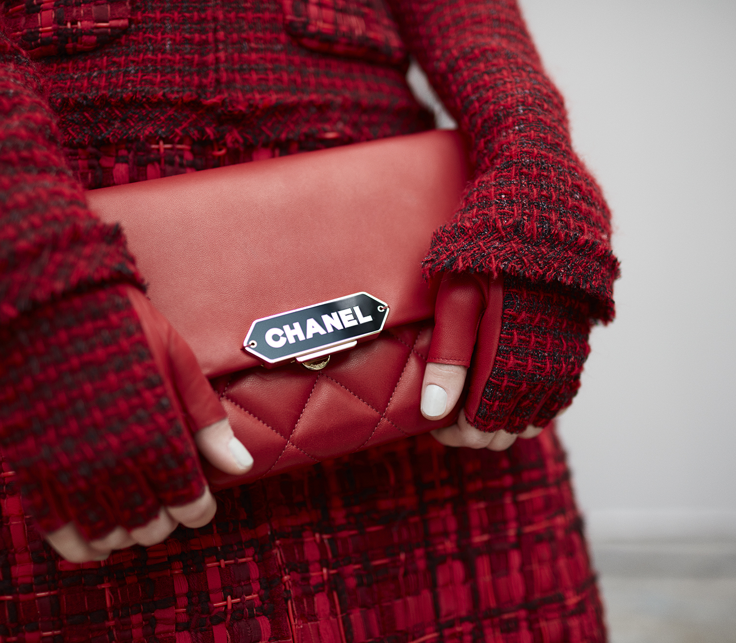 28_backstage-close-up-accessories-by-stcphane-gallois_ld