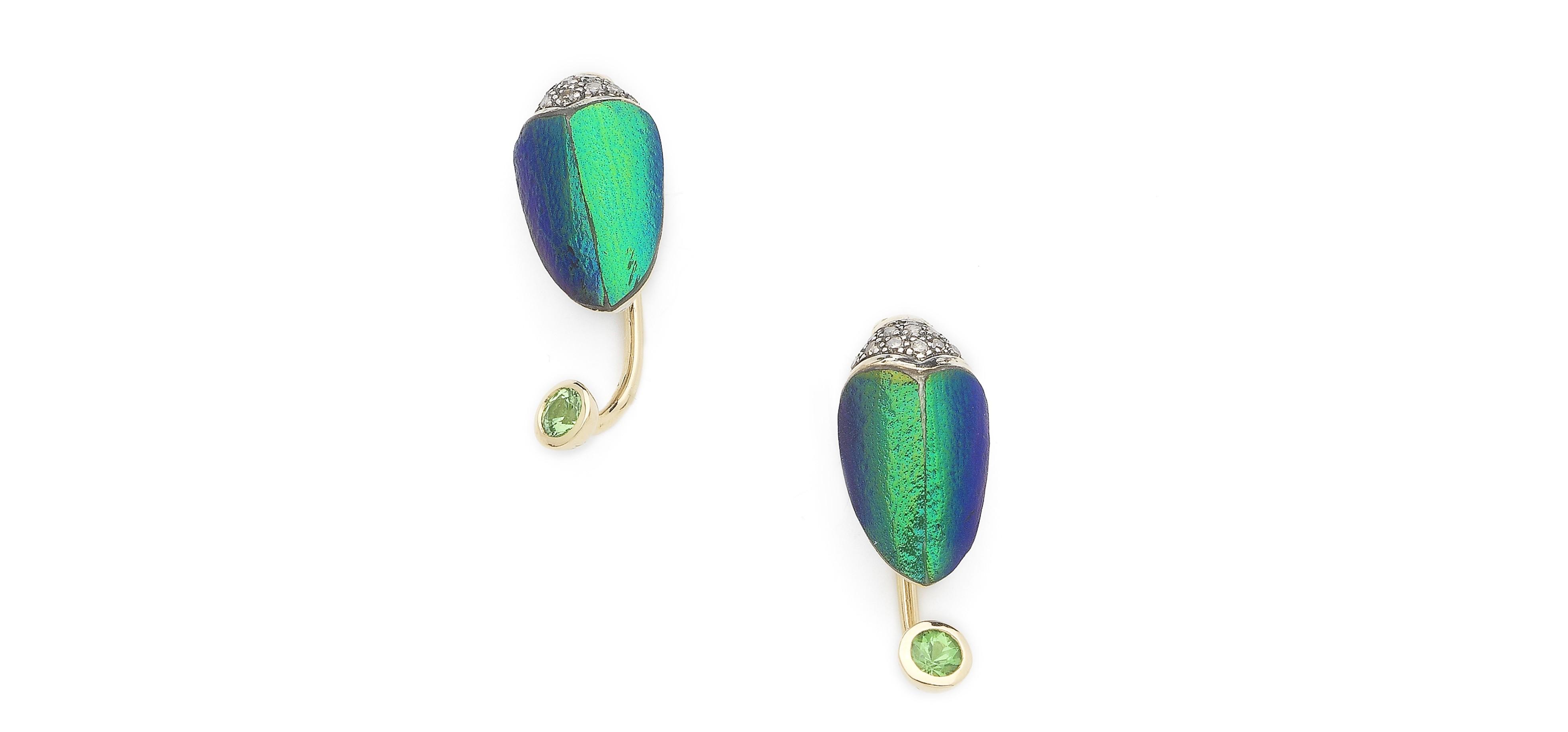 bibi-van-der-velden-scarab-collection-scarab-small-earrings-hanging-part-sterling-silver-18-ct-yellow-gold-scarab-wings-green-tsavorites-white-diamonds-zoom