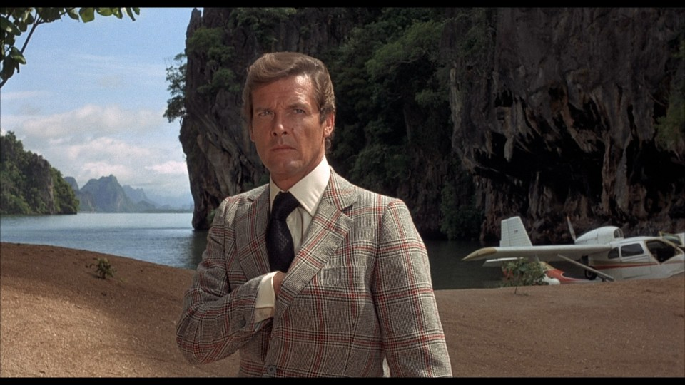the-man-with-the-golden-gun-james-bond-roger-moore-christopher-lee-spy-thriller-action-film-1974-movie-review