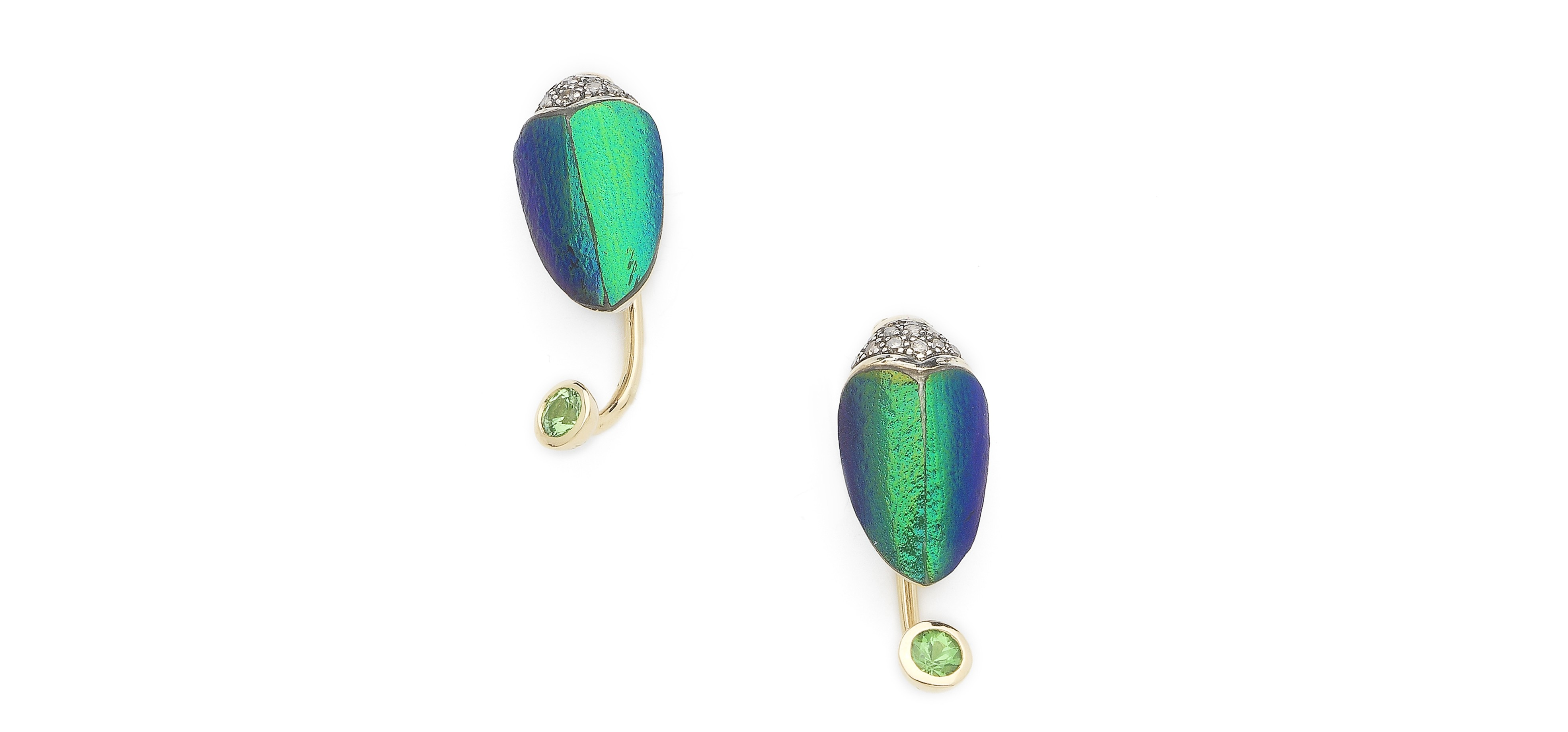 bibi-van-der-velden-scarab-collection-scarab-small-earrings-hanging-part-sterling-silver-18-ct-yellow-gold-scarab-wings-green-tsavorites-white-diamonds-zoom